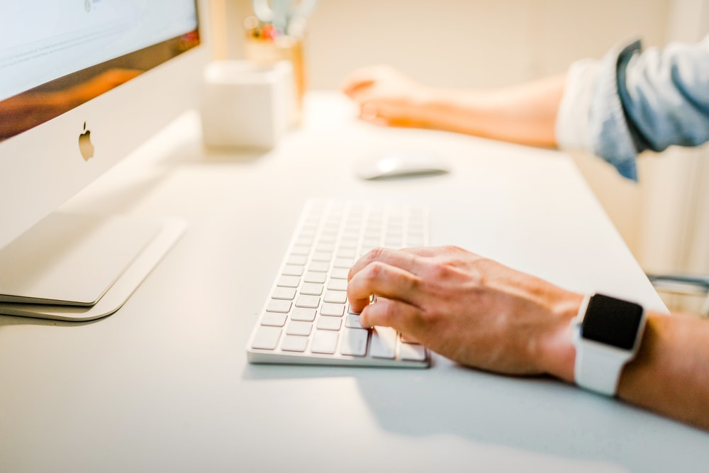 إنشاء ونشر محتوى عالي الجودة بانتظام